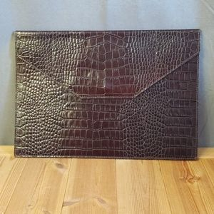 Graphic Image New York Saks Alligator Print Clutch